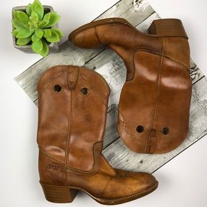 Size 7.5 vintage Dingo Boots brown leather